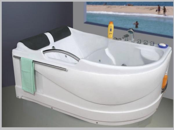 Bồn tắm massage Govern xuất xứ ở đâu ?